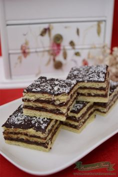 Cake Recipes, Vegan Recipes, Cooking Recipes, Dessert Drinks, Desserts, Happy Vegan, Romanian Food, Brownie Cookies, Food Cakes