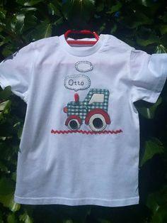 Hecho a mano. Camiseta tractor