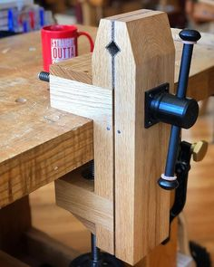 Lined Jaws — After some head scratching, I got the jaws of my Hi-Vise lined and ready for service. I ended up doing the… Best Woodworking Tools, Woodworking Joints, Woodworking Workbench, Woodworking Workshop, Woodworking Supplies, Woodworking Projects Diy, Wood Projects, Awesome Woodworking Ideas, Homemade Tools