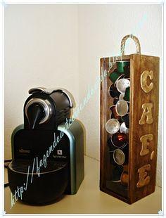 Caixa para cápsulas Nespresso, reutilizando caixa de vinho.