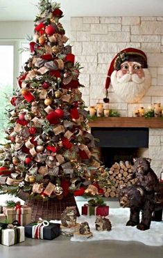 60 Awesome Farmhouse Christmas Decorating Ideas And Makeover - Elva Gold Christmas Decorations, Christmas Tree Themes, Noel Christmas, Xmas Tree, Christmas Traditions, All Things Christmas, Holiday Decor, Farmhouse Christmas Decor, Country Christmas