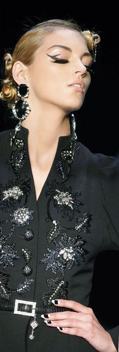 La mia scelta ed i miei gusti nel campo della moda, per classe ed elegante. Ninni -               Christian Dior.