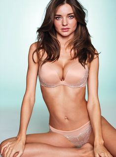 Kerr victoria model miranda hottest secret