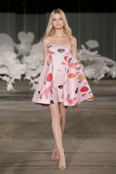 What abt this Ready to Wear by Alice McCall S/S 2014/15? Hmmm...