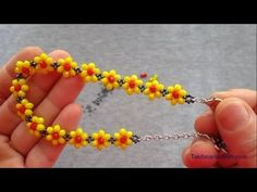 Making Bracelets With Beads, Seed Bead Bracelets, Bead Earrings, Bead Jewellery, Beaded Jewelry, Necklace Tutorial, Beaded Bracelet Patterns, Beads And Wire, How To Make Earrings
