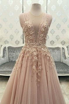 Blush Pink Prom Dresses 2017 V Neckline Tulle Long Prom Gowns with Flowers Beaded Pearls Backless Evening Masquerade Dresses