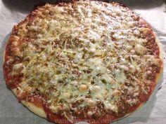 La pizza boloñesa es clásica, y como para no, está ¡buenísima!.   Aprovechando que venían unos amigos a cenar a casa, preparé unas pizzas. I...