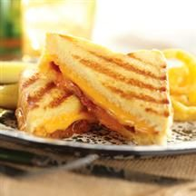 PEACHY BACON GRILLED CHEESE ON TEXAS TOAST. YES YES YES.