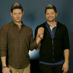 Misha looks so happy to be a princess and hold jensen hand while jensen looks like he wishes everyone in the room could burn.