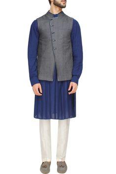 #perniaspopupshop #devrnil #designer #mensclothing #modern #ethnic #shopnow #happyshopping