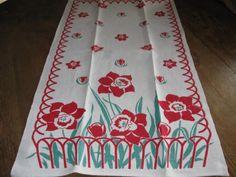 Pineapple House Antiques ~ Vintage Red & Green Flower Garden Kitchen Towel