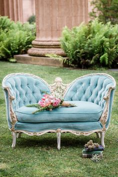 shabby lovely vintage French sofa , need this for my bedroom window Anna Melodymaison