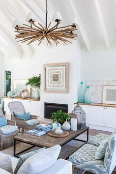 Home Interior Design . Home Interior Design . 25 Chic Beach House Interior Design Ideas Spotted On Beach Living Room, Coastal Living Rooms, Home Living Room, Living Room Designs, Living Room Decor, Dining Room, Coastal Bedrooms, Decor Room, Coastal Kitchens