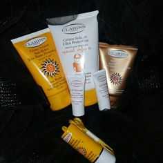 CLARINS Paris Creme Solaire Ultra Sun Kit You get 6 items in here for this amazing price 1- CLRNS Sun Solaire Ultra Protection SPF 30 Creme for kids 1- CLRNS Sun wrinkle control Creme very high prtct Face Crm  1- CLRNS Tinted Self Tanning Face Crm very high prtct  1- CLRNS Sun Control Stick Sun sensitive areas ultra prtct  2- CLRNS Lift Fermete Body Firming Cremes Sizes of these bottles are listed in order of listing above  These New without Tags/ Never used CLARINS PARIS Other