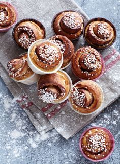 Swedish or American Cinnamon Rolls - which are the yummiest (and recipes for both)!