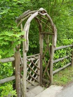 Garden doors Designs for a magical garden design - Gartenideen - Garten Garden Gates And Fencing, Garden Arbor, Garden Doors, Fences, Backyard Gates, Gravel Garden, Diy Garden, Garden Crafts, Garden Planters