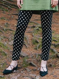 These leggings go anywhere, go with anything, and bring fun wherever they go. Pictured here paired with the Peridot Tunic but also makes a playful companion to the Valley of Flowers Dress.  http://www.aprilcornell.com/product/Big-Dots-Ladies-Pant-PTA5096X-Black/ladies-new-arrivals