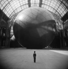 """Anish Kapoor, """"Leviathan"""" (from the Monumenta project at the Grand Palais in Paris, 2011) by Gastón Ramírez Cuevas."""
