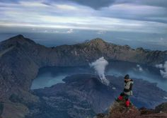 Photo from @elvirhachristine -  Dari yakinku teguh Hati ikhlasku penuh Akan karuniamu Tanah air pusaka Indonesia merdeka Syukur aku sembahkan KehadiratMu Tuhan (H. Mutahar) ---------------------- #pendakikusam #pendakiindonesia #pendakicantik #exploregunung #instagunung #instapendaki #pendakihijabers #jejakpendaki #anakgunung #wanitagunung #pendakikeren by pendaki.keren