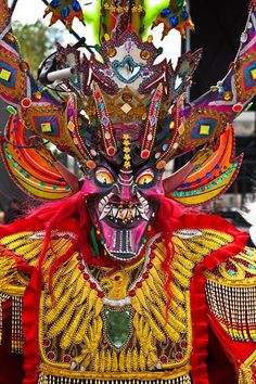 """Bolivian Folkloric Dance """"La Diablada"""" performs on the National Mall in Washington DC during Earth Day Celebrations 2010 by Jeff Malet Photoshop Art, Aztec Culture, Beast Creature, Arte Tribal, National Mall, Korean Art, Masks Art, Mexican Art, Folk"""
