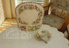 Teatime beautiful teapot cover victorian style von MJJenekdesigns