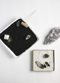 If your New Year's resolutions include finding a little peace of mind, why not #DIY your own Zen garden?