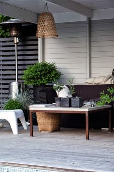 STIL INSPIRATION: Today´s inspiration | green outdoor living in the poolhouse ❥