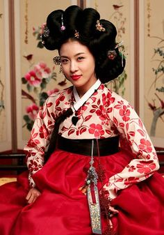 Wear a hanbok! S. Korea, you're next! ^_^  Jiwon Ha. Hwang Jin i(2006)