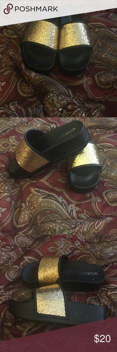 🎉🎉super cute platform wedge 🎉🎉🎉 🎉🎉🎉Gold and black platform wedges🎉 BRAND NEW RUNS SMALL!!!! Shoes Sandals