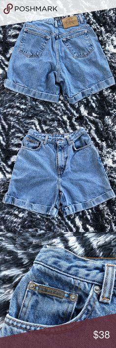 Calvin Klein Stone Wash Cuff High Waisted Shorts In good condition Calvin Klein Shorts Jean Shorts