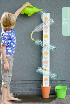20 DIY games that will make the summer unforgettable .- 20 giochi fai da te che renderanno l'estate indimenticabile ai tuoi bimbi Waterbaan. Kids Crafts, Projects For Kids, Diy For Kids, Diy And Crafts, Arts And Crafts, Kids Fun, Summer Activities, Toddler Activities, Preschool Activities