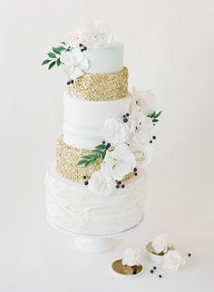 Tartas de boda - Wedding Cake - simple wedding cake with a hint of glittery glam! Jenna Rae Cakes