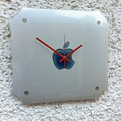 Wonderful idea for your wall clock!! #clock #interior #design #apple #mac #repair #london