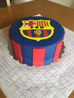 Barcelona futbol club cake, condensed milk flavor...!!! Pastel Del Barcelona, Barcelona Cake, Barcelona Party, Football Birthday Cake, Soccer Birthday Parties, Fondant, School Cake, Order Cake, Mickey Mouse Cake