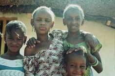 L'école Soxna Beye - Afrika Mandela Ranch Ranch, Artists, Homemade, Couples, Couple Photos, Documentary Film, Guest Ranch, Couple Shots, Artist