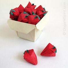 Cómo se pliegan fresas en origami