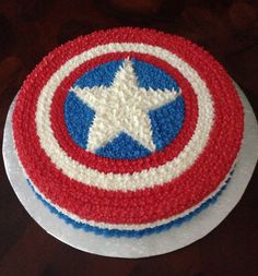 Captain America's shield 9th Birthday, Birthday Parties, Birthday Cake, Fete Laurent, Captain America Cake, 1st Birthday Pictures, Superhero Party, Cream Cake, First Birthdays