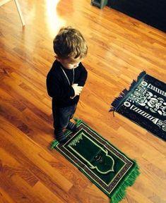 14 hours ago More اسلام علیکم💕 اللہ کیلئےکچھ بھی عطا کرنا مشکل نہیں مگروہ مانگنے والے کی طلب کو آزماتا ہے مانگتے رہووہ ضرور عطا کرےگا ورنہ طلب ختم کردے گا🌷🍃 Cute Baby Boy Images, Cute Baby Pictures, Cute Baby Girl, Baby Photos, Cute Babies, Reading Al Quran, Baby Hijab, Love In Islam, Precious Children