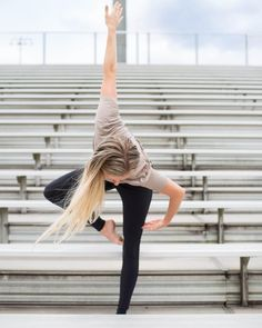 Megan Lawing is featured in the Luminous Legging and Entwine Short Sleeve Top #yoga #inspiration #flexibility