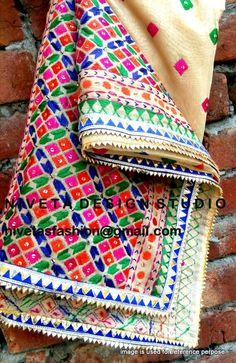 Phulkari Embroidery, Indian Embroidery, Hand Embroidery, Kurta Pajama Punjabi, Punjabi Suits, Pakistani Outfits, Indian Outfits, Indian Clothes, Kamiz Design