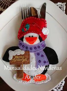 Manualidades Navideñas Anafer: Portacubiertos Navideños Christmas Placemats, Felt Christmas Ornaments, Christmas Art, Christmas Stockings, Christmas Holidays, Felt Crafts, Christmas Crafts, Christmas Fair Ideas, Deco Table