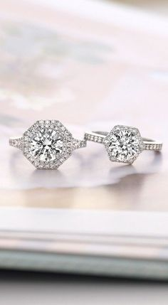 Love these dazzling HEXAGON halo rings around the circle diamond Bling Wedding, Wedding Jewelry, Wedding Bands, Dream Wedding, Trendy Wedding, Brilliant Earth, Halo Rings, Dream Ring, Designer Engagement Rings