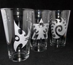 Terran, Zerg and Protoss Etched Pint Glass Set by CyberGlassware, $30.00 -- My babe would absolutely ADORE this! #starcraft