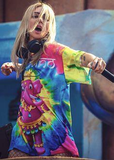 Love her tshirt😍 Dj Music, Music Stuff, Alison Wonderland, Cute Twitter Headers, Best Dj, Iggy Azalea, Electronic Music, Boss Lady, Looking For Women