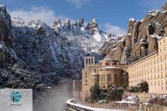 Монастырь Монсеррат - бенедиктинский монастырь, духовный символ и религиозный центр Каталонии, центр паломничества католиков со всего мира - зимой! Не правда ли, великолепный вид?