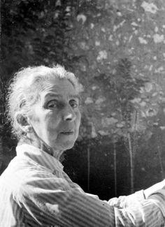"Marianne Grunwald-Benda (Born: Germany, 1867 - Died: Villefranche/France, 1940) : Charlotte's grandmother is Grandmother Knarre in ""Life? or Theatre?""."