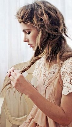 Obsessed with this messy braided 'do.