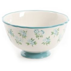 pioneer woman mix and match Dots Design, Floral Design, Kids Dinner Sets, Dinnerware Sets Walmart, Pioneer Woman Kitchen, Famous Recipe, Plates And Bowls, Showcase Design, Pattern Mixing