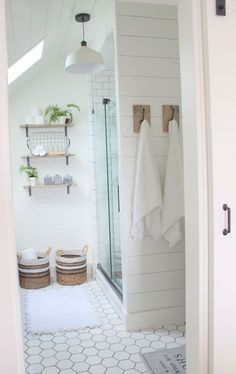 Beautiful farmhouse bathroom remodel decor ideas (49)