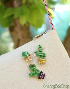Bead Embroidery Patterns, Peyote Patterns, Beaded Embroidery, Beading Patterns, Kids Jewelry, Jewelry Making, Hama Beads Coasters, Beaded Crafts, Bead Jewellery
